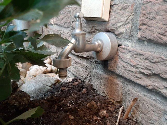 Gartenbewässerung an die Hauswasserleitung anschließen