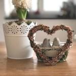 DIY Vintage-Valentinsdeko mit Heide