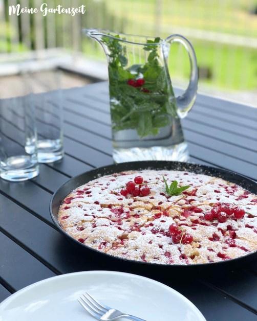 Johannisbeer-Kuchen a la Ganznormalemama.com