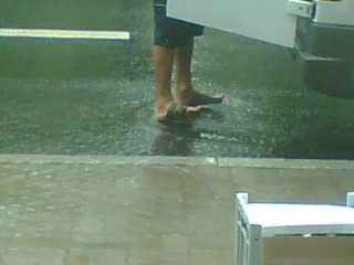 The toes stay dry ;)