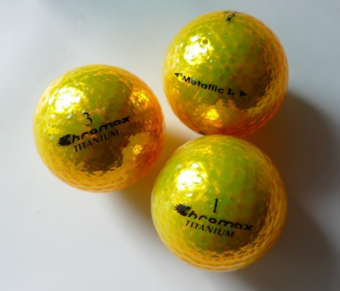 Chromac Golfbälle mit metallischem Design