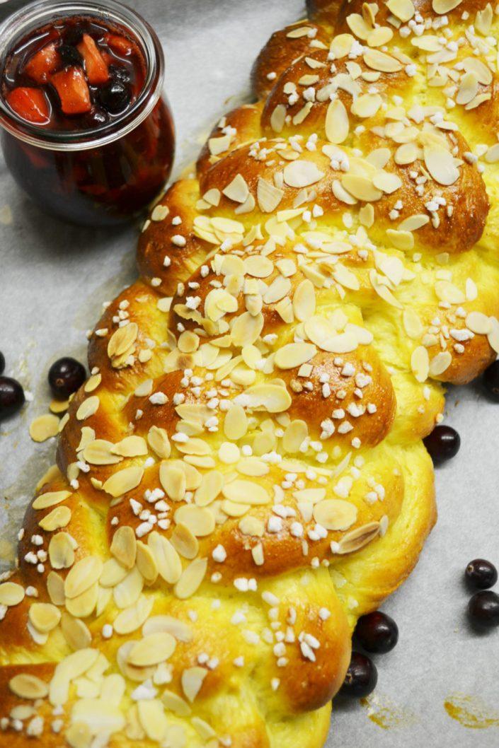 Zopf-Liebe! Brioche-Striezel mit Bratapfel-Cranberry-Marmelade