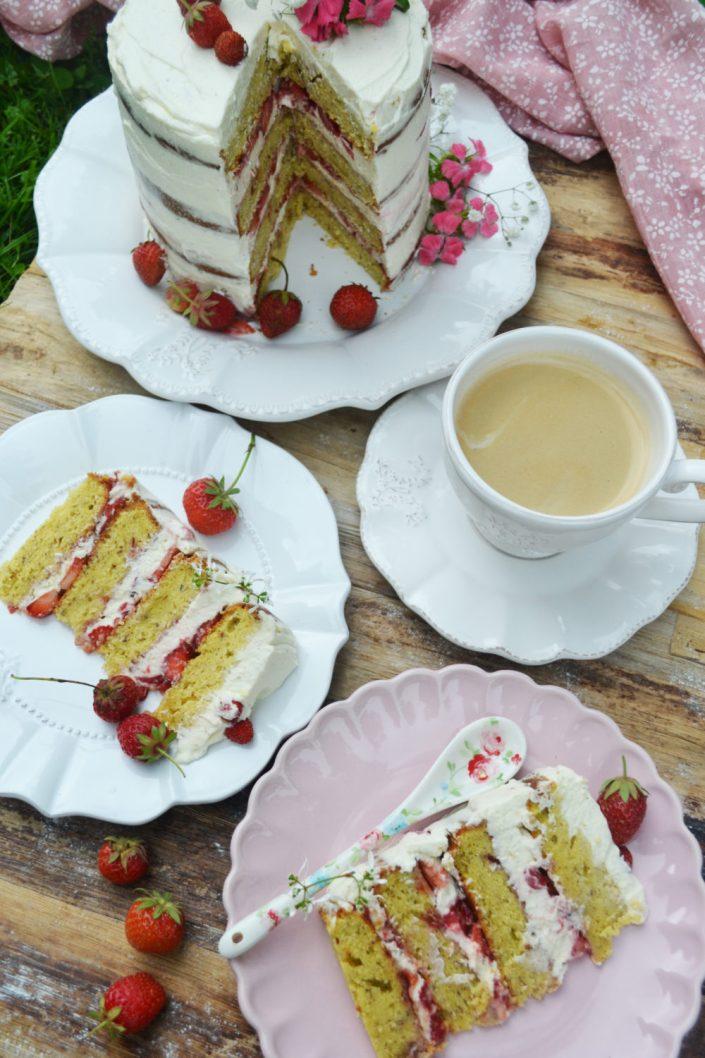 Süßes Glück! Erdbeer-Mandel-Torte mit Mascarponecreme