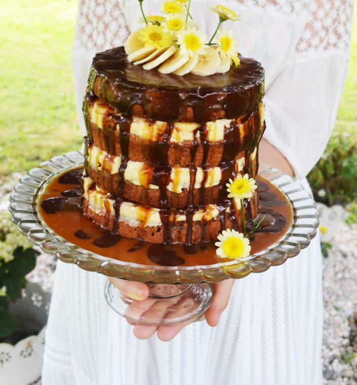Ein süßer Zauber! Bananen-Schokoladen-Torte mit Vanillecreme und Karamell