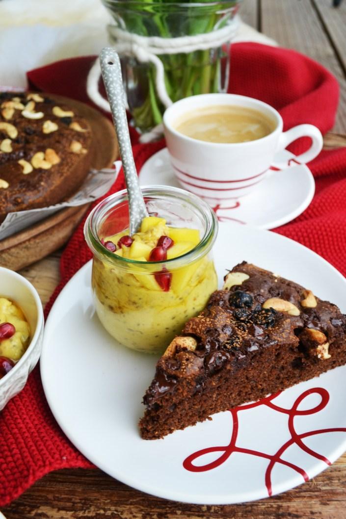 Natürlich gesund! Schoko-Cashew-Kuchen mit Mango-Chia-Creme