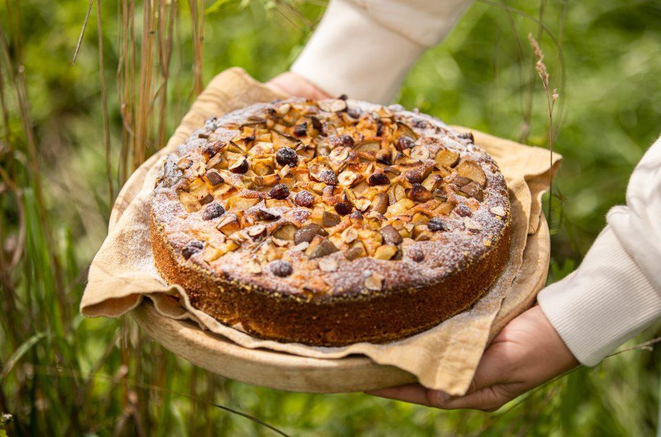 VON NATUR AUS HIMMLISCH GUT! Polenta-Haselnuss-Kuchen mit Äpfel & Birnen + Fair Fashion Empfehlung