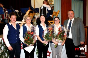 harmonika-orchester-endenburg-sallneck-laesst-es-krachen-02