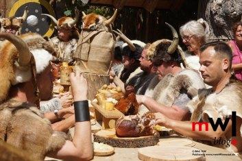keule-hoch-germanenfest-in-mambach-18