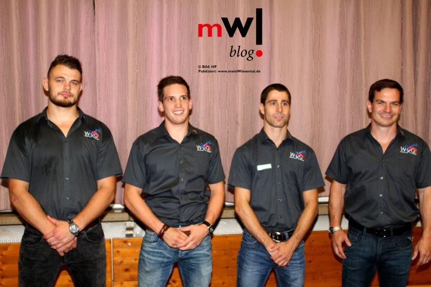 mannschaftsvorstellung-mit-fest-charakter-bei-der-WKG-Neuzugaenge-mit-Marc-Viardot-rechts