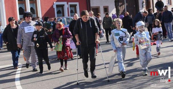 fasnachtsumzug-fuer-den-narren-nachwuchs-in-maulburg-kinderfasnacht-04