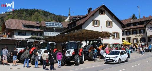 tegernauer-fruehjahrsausstellung-mit-dorffestcharakter-meinwiesental-Landmaschinen-Bauer