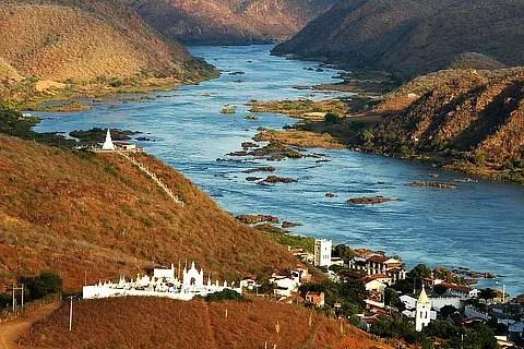 Resultado de imagem para transposição do rio sao francisco desvantagens