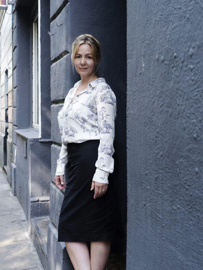 Schriftstellerin und Krimiautorin Simone Buchholz in Hamburg.
