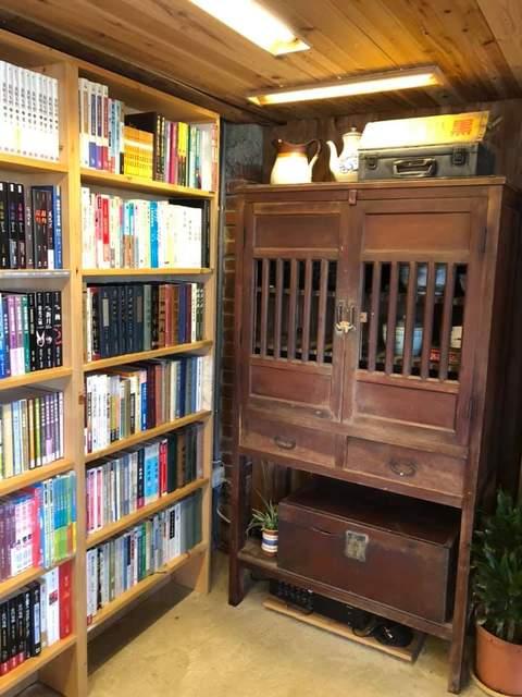 謝美英議員到訪晴耕雨讀小書店