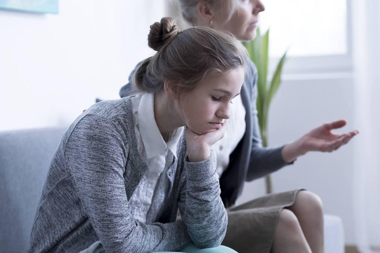 Problemas familiares abordados en una terapia familiar.