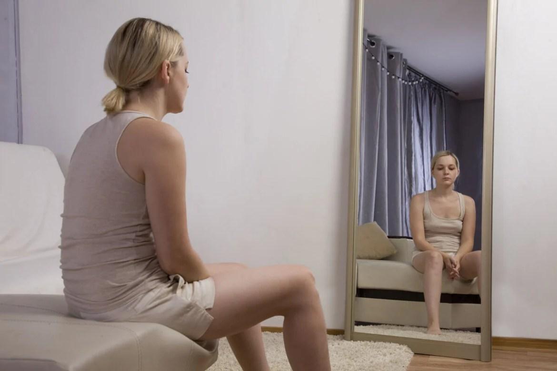 Qué es la terapia de exposición al espejo y para qué sirve? - Mejor con  Salud