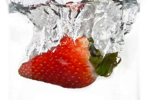 agua fresas laelomo