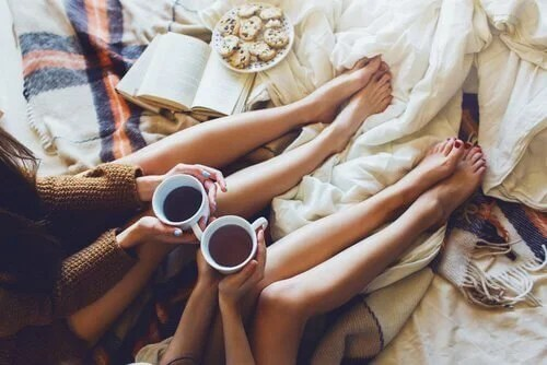 Amigas-tomando-café1