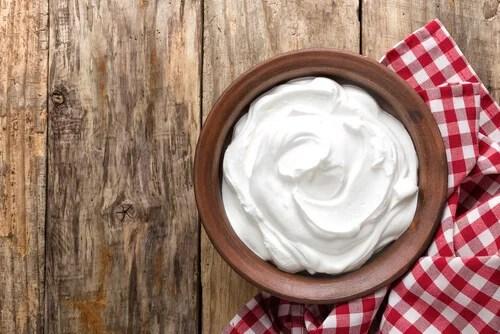 Yogur para la piel enrojecida por el sol