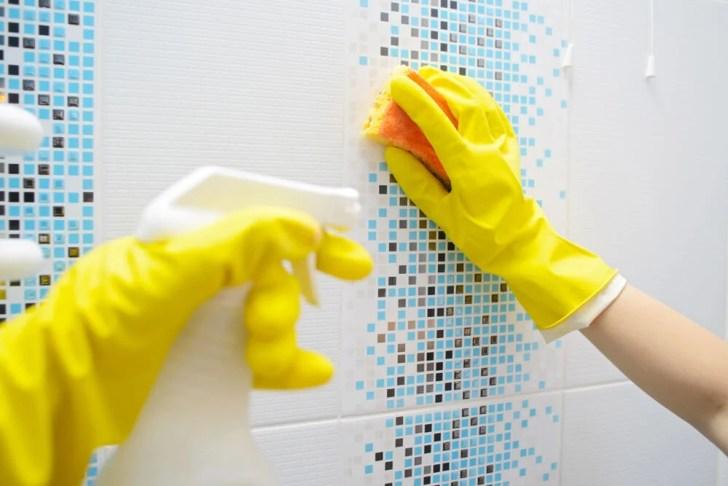 حيل بسيطة لتطهير الحمام
