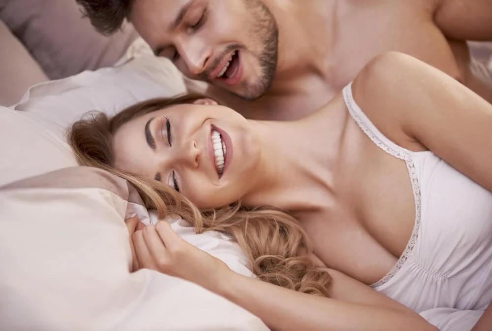 7 posturas sexuales fáciles para variar tu vida sexual