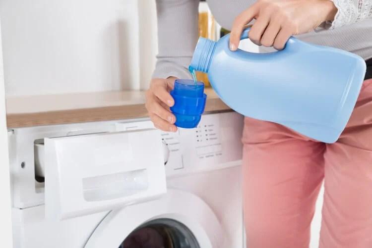 Prepara tu propio detergente ecológico.