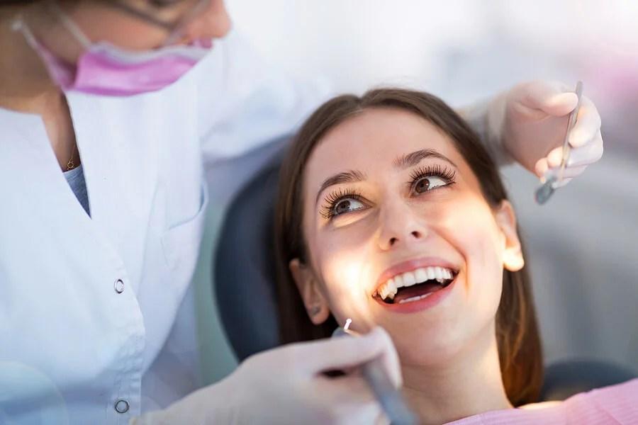 5 hábitos que ajudam você a cuidar da sua saúde bucal