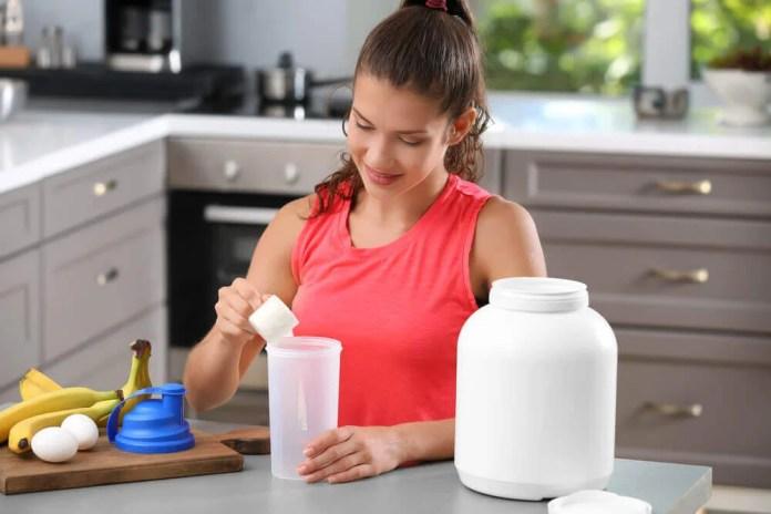 ¿Cuánta proteína tengo que tomar si hago ejercicio y quiero ganar masa muscular?