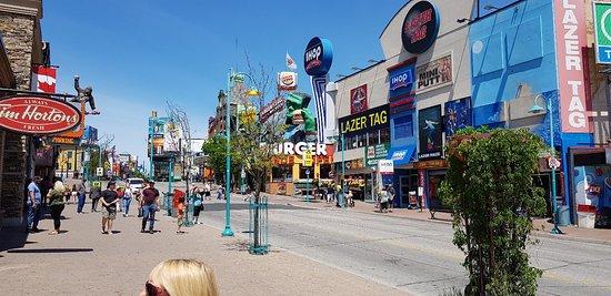 Mejores barrios donde alojarse cerca de las Cataratas del Niágara del lado canadiense - Downtown Niagara Falls