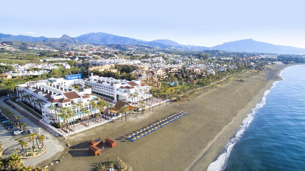 Mejor zona para un viaje de lujo a la Costa del Sol - Playa del Saladillo y campos de golf de Estepona