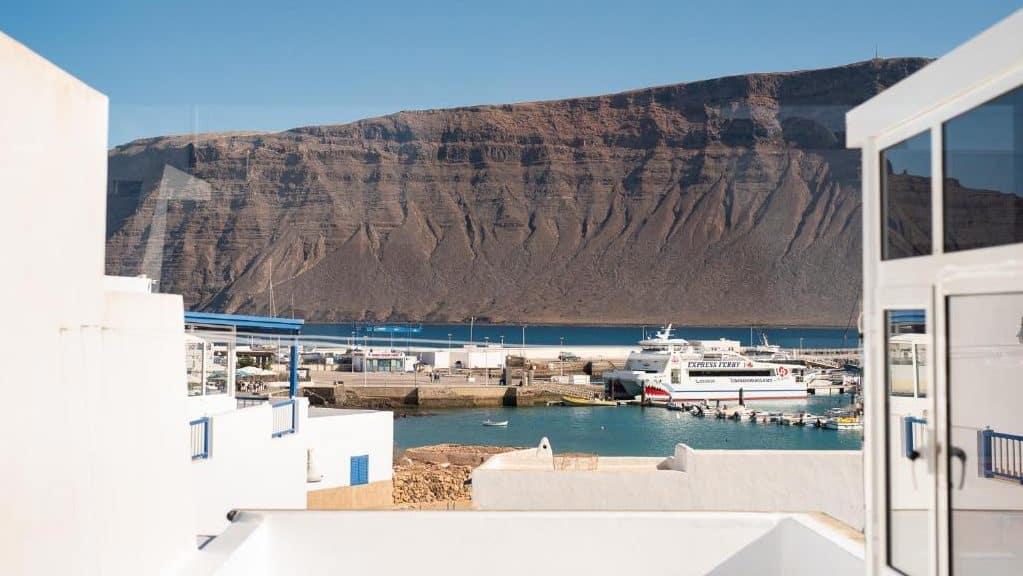 Caleta de Sebo es la mejor zona dónde hospedarse en la isla de La Graciosa