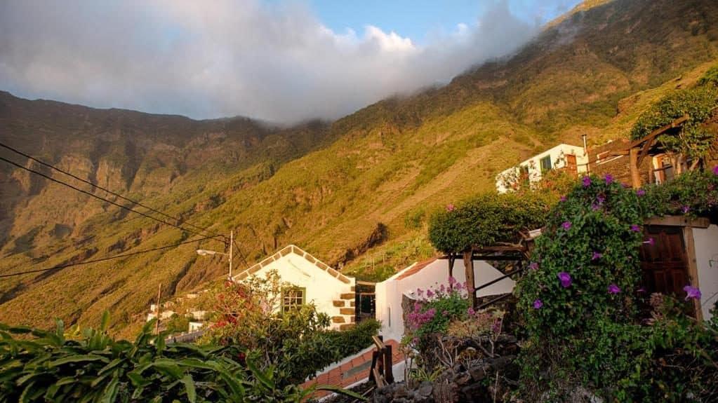 Mejores zonas para turistas en El Hierro, Islas Canarias - Frontera y Valle del Golfo