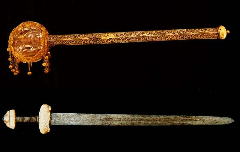 """Képtalálat a következőre: """"koronázási kard"""""""