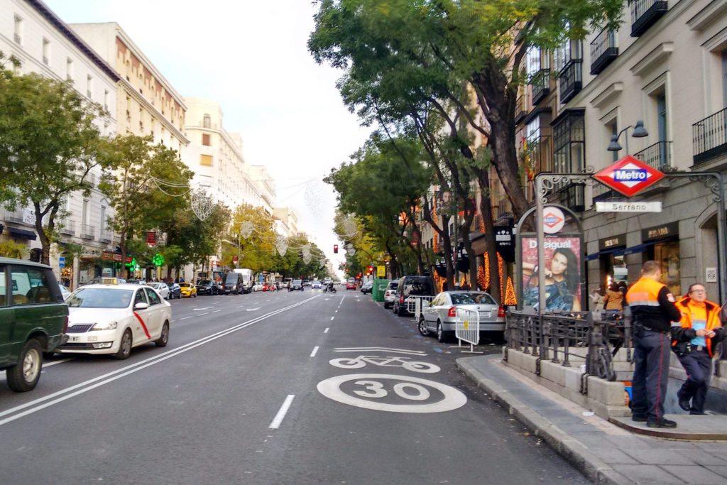 rua para fazer compras em madrid