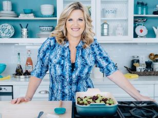 Trishas-Southern-Kitchen-TV-show-on-Food-Network-season-seven