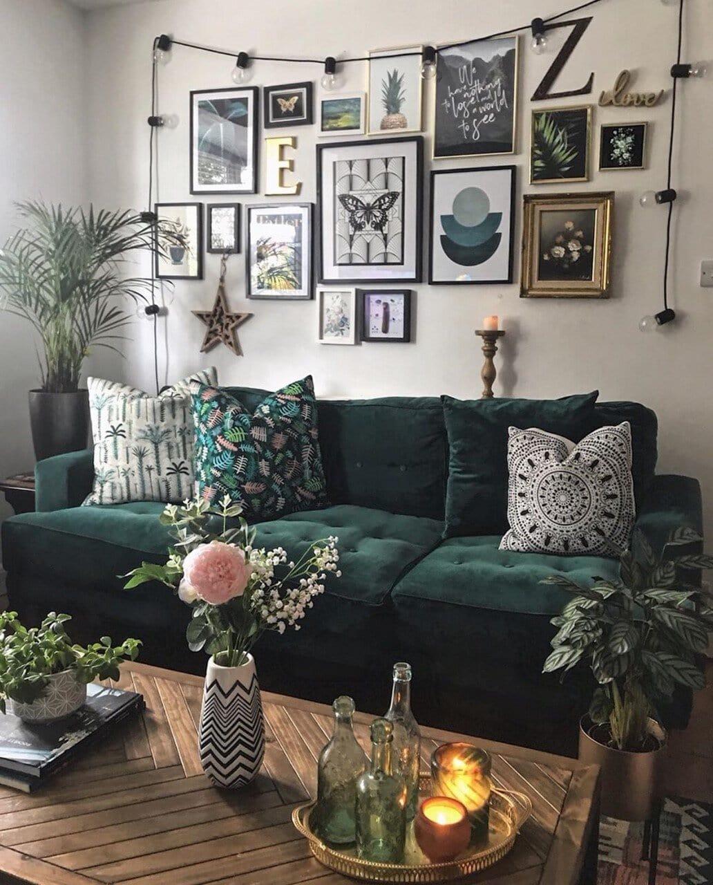 interior design, instagram, instagram trends, home decor, social media, blogging, instagram advice, blogging advice, pinterest, living room, gallery wall, green velvet sofa
