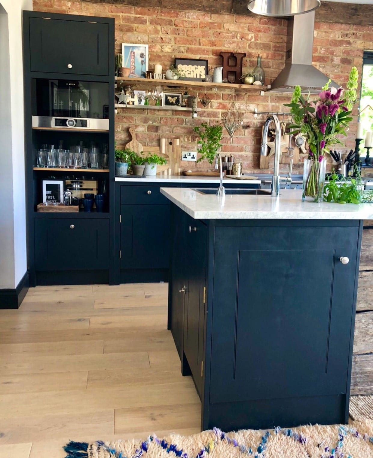 The utterly gorgeous kitchen of  @hornsby_style