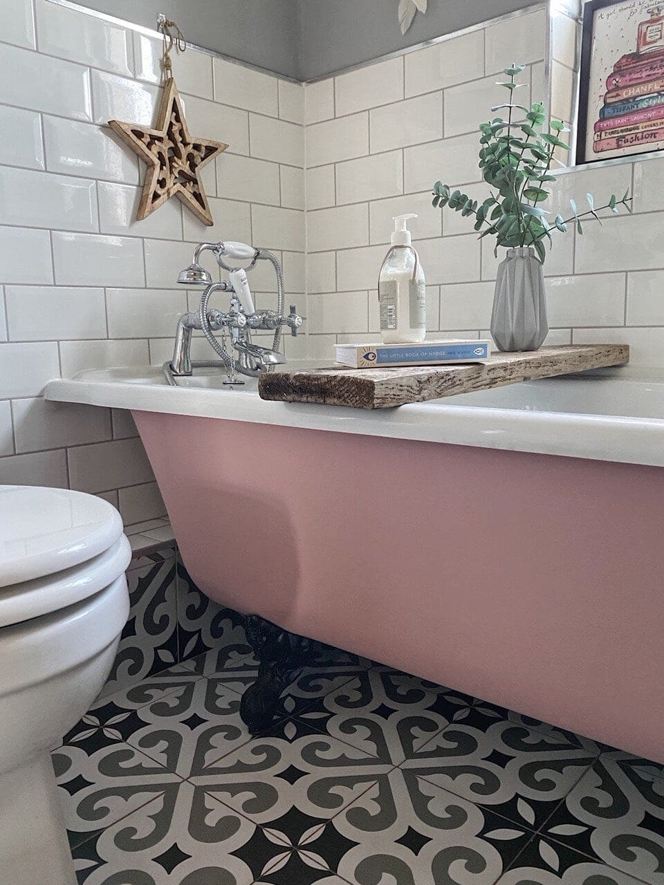 Bathroom, bathroom renovation, renovation, redecorating, bath, bath tub, paint bath, roll top bath, roll top, bathroom design, bath design, patterned tiles, pink, pink decor, tiles, grey, grey decor, flowers, DIY, DIY bathroom, DIY paint, paint, painting, interiors, interior styling