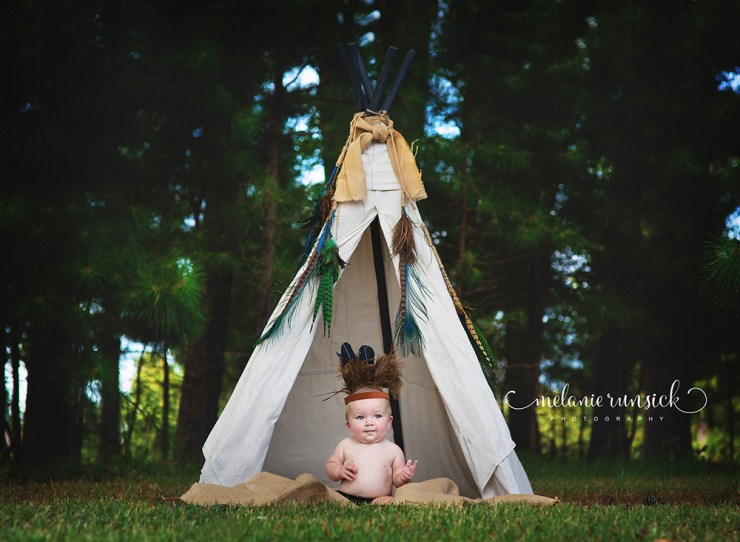 Teepee portrait session Melanie Runsick Photography