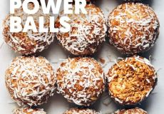 PEANUT BUTTER COCONUT POWER BALLS