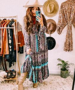 chloee_woods liverpool boho fashion influencer in flowy boho dress