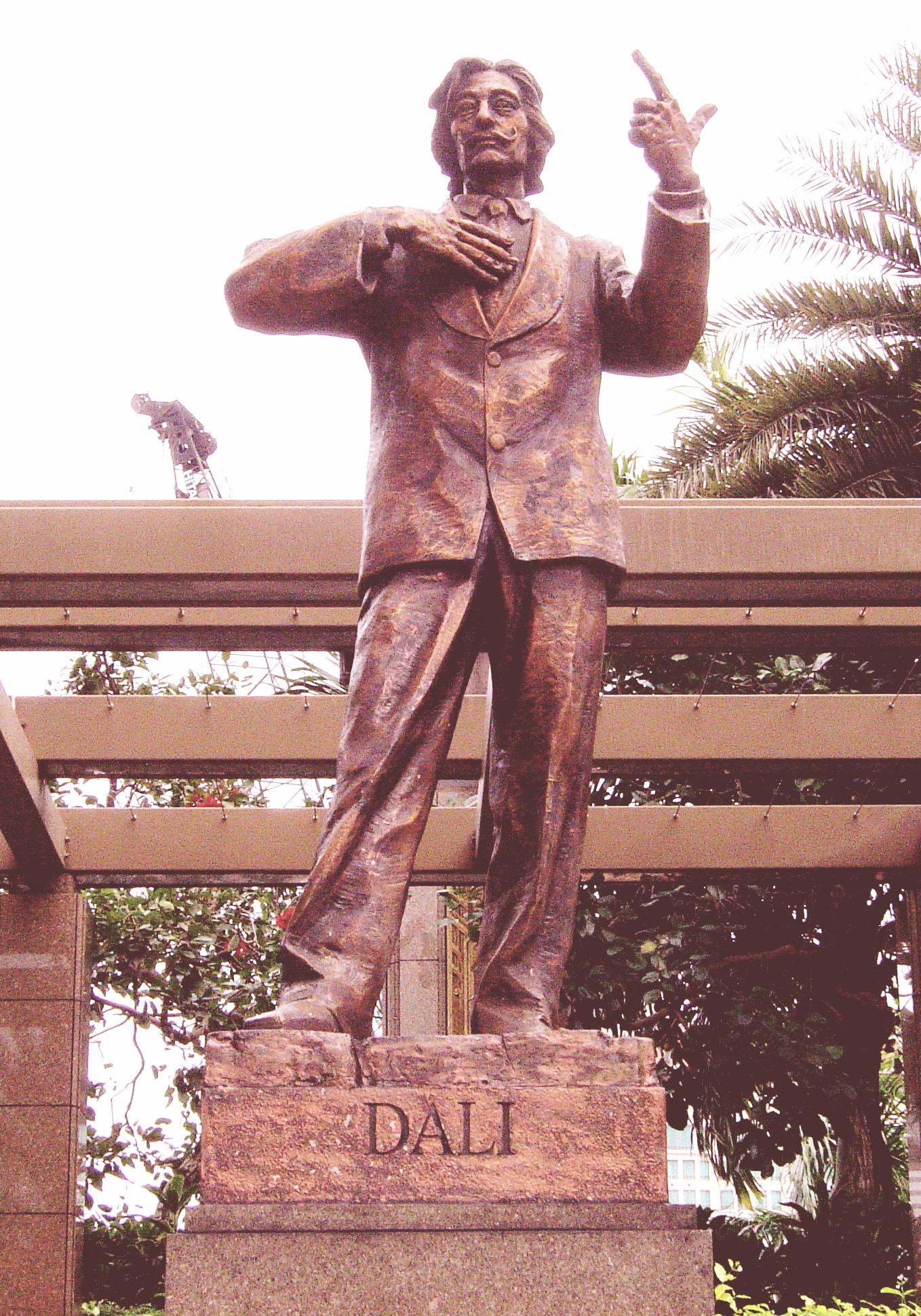 Statue of Dali in Singapore