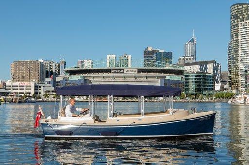 Luxury Yacht Hire Melbourne Pia Mae Skippered Cruises