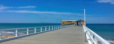 queenscliff-pier - via queenscliffandcoastalholidays.com.au