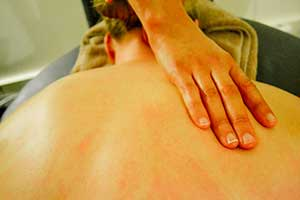 remedial massage for upper back pain