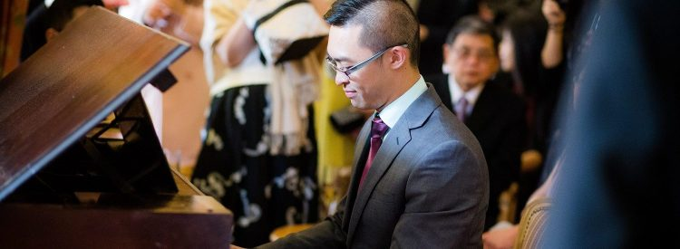 Melbourne Pianist Calvin performing at a wedding