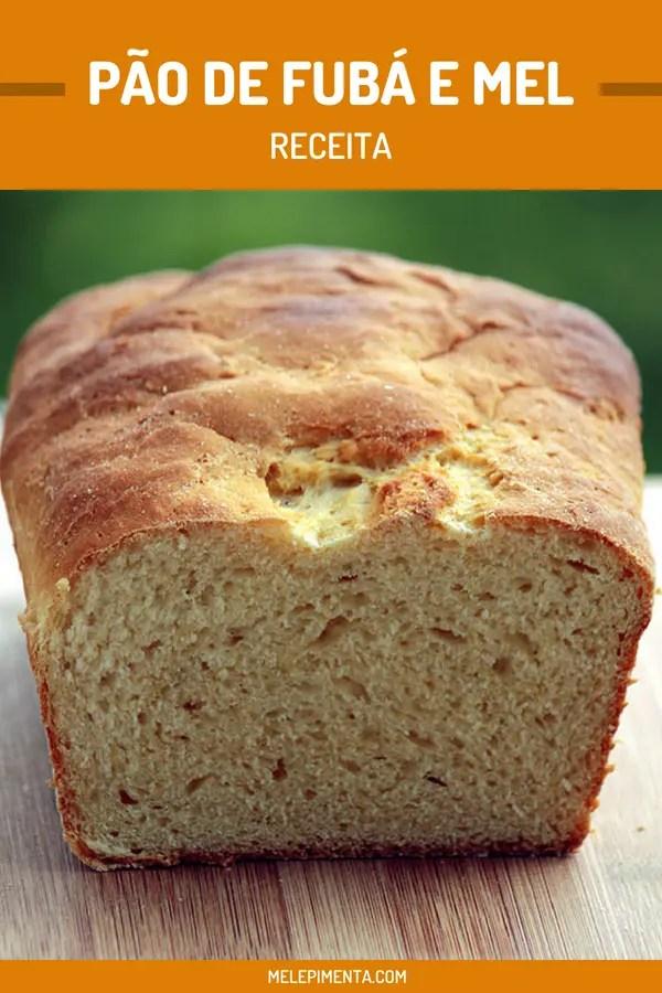 Pão de fubá e mel - uma receita fácil de fazer e muito gostosa, faça seus próprios pães em casa. Essa receita feita com farinha de milho e mel é gostosa e o aroma de pão assando vai tomar conta da sua casa.