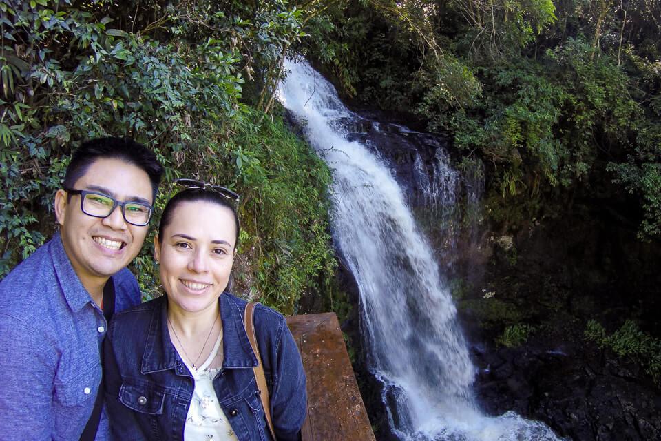 O que ver e fazer na Serra Gaúcha?Visitar a cachoeira do Alambique Flor do Vale