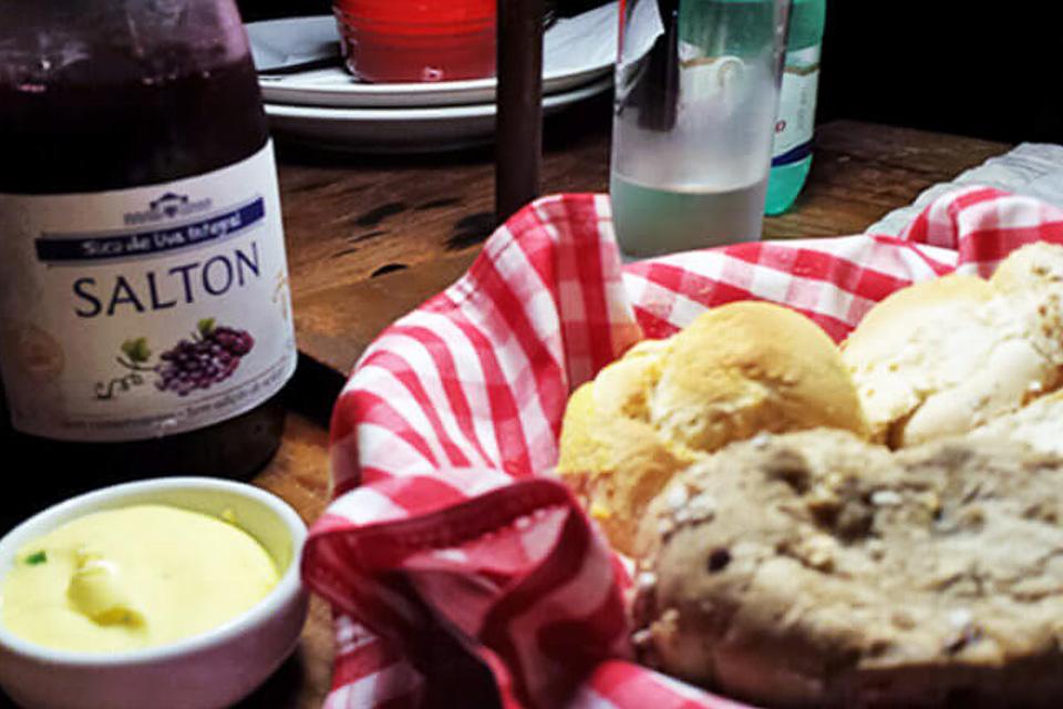 Onde comer em Porto Alegre jantar comida italiana suco de uva integral