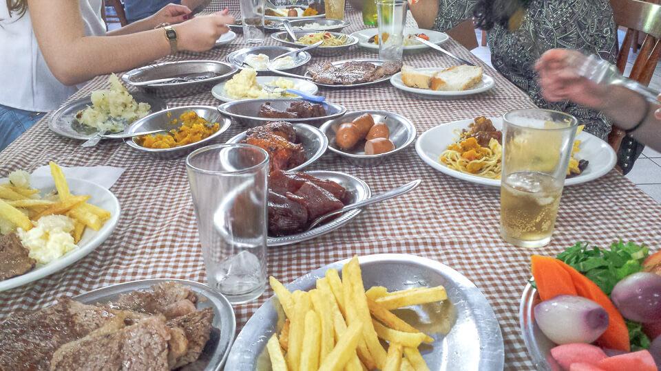 Almoço no Café Colonial no Rio Grande do Sul